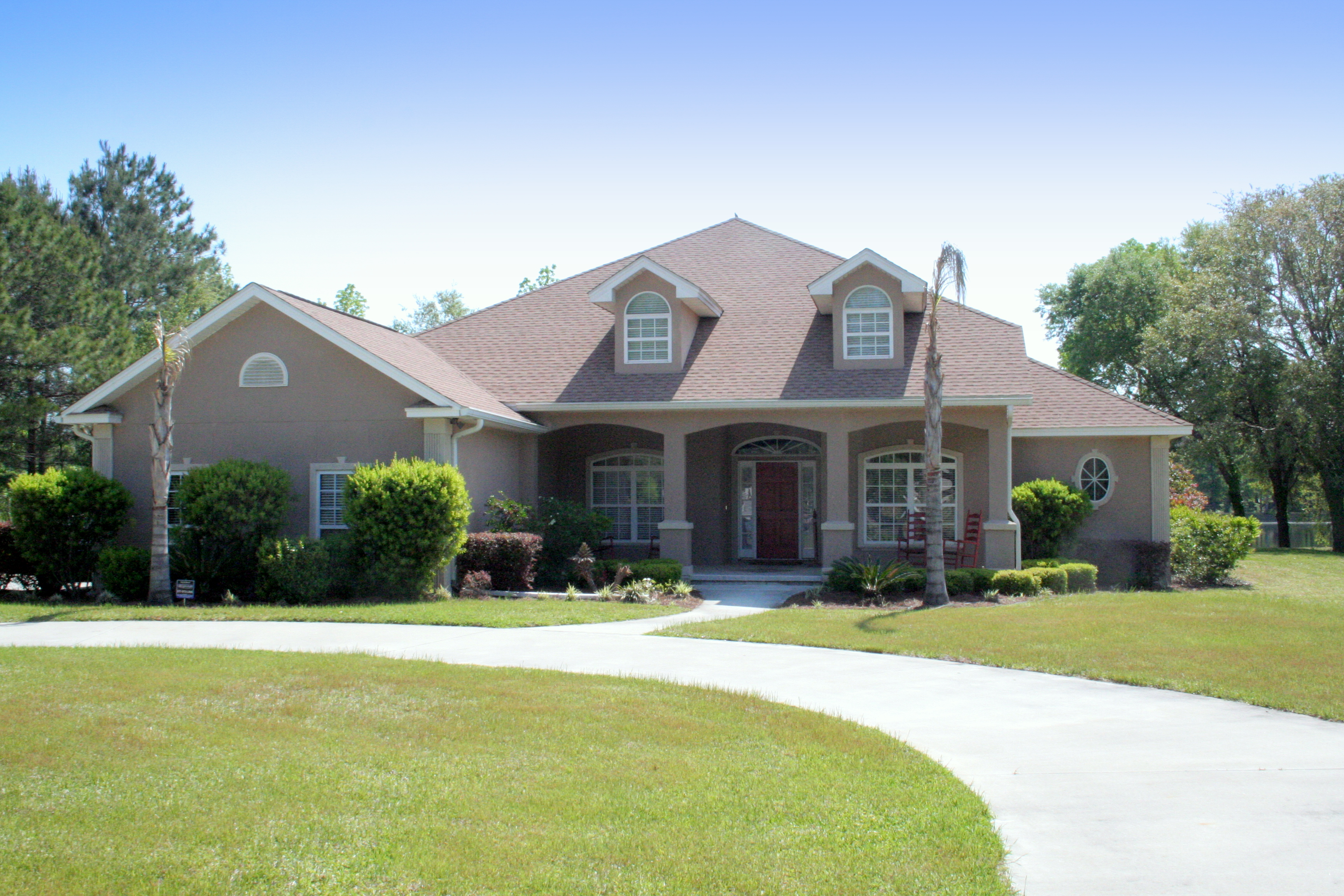 Classic coastal living real estate and golden isles for Classic homes realty